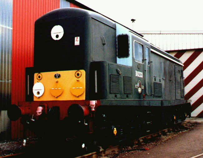 D8233 at Crewe in 1994