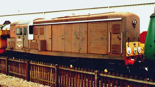 D8233 at Crewe in 2000